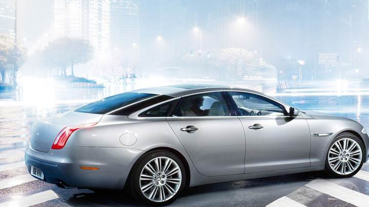 Jaguar XJ In Silver Side Pose